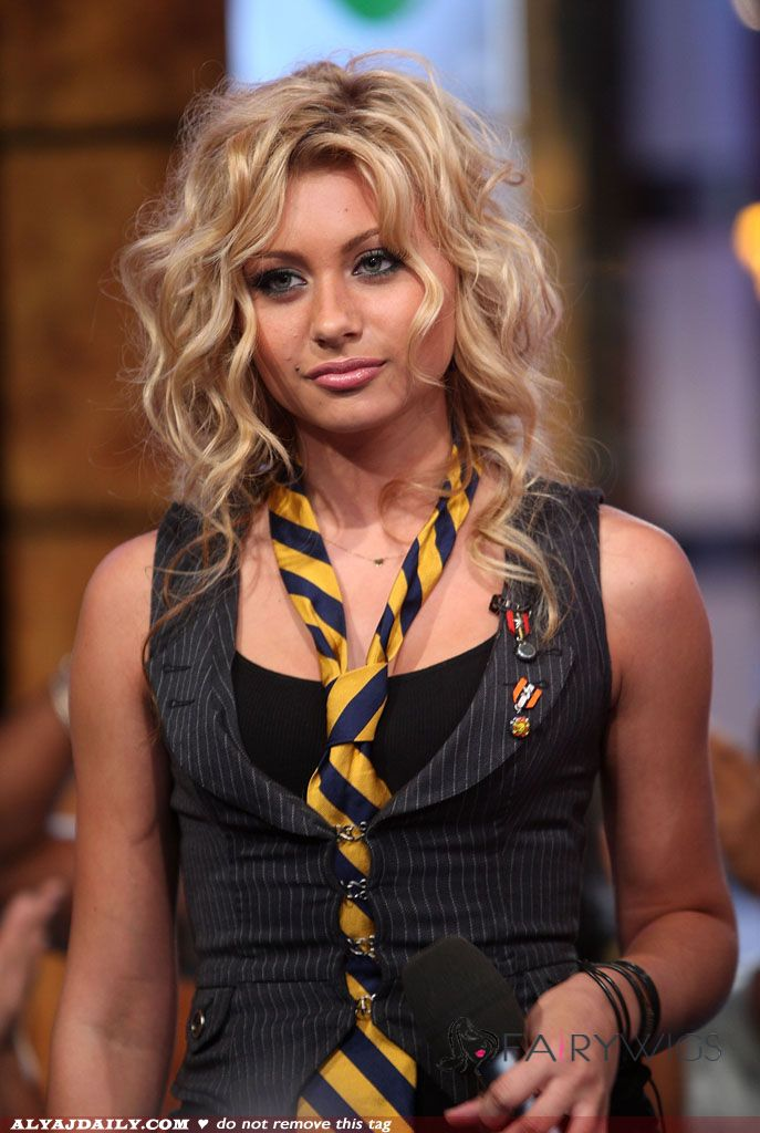 Virgin Brazilian Hair Blonde Wavy Lace Front Medium Wigs 18 Inch (45.72 cm)