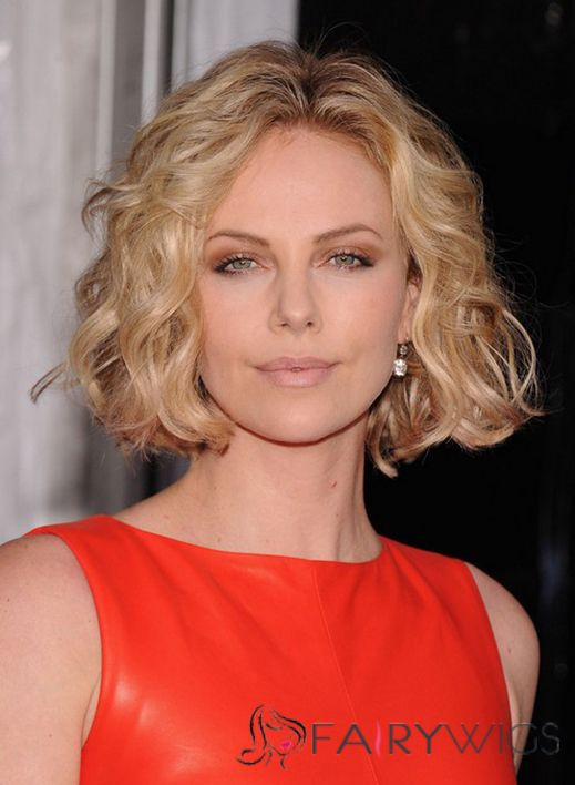 Gorgeous Short Blonde Female Wavy Vogue Wigs 10 Inch