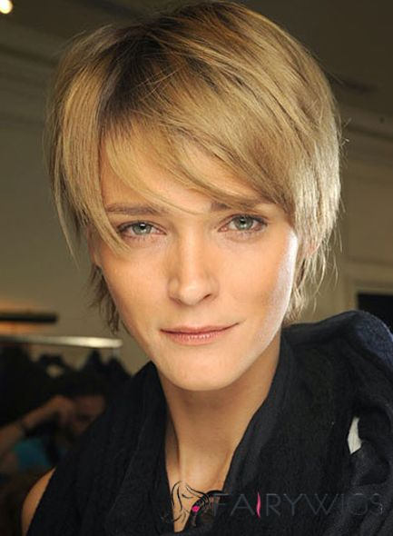 Trendy Short Blonde Female Straight Vogue Wigs 8 Inch